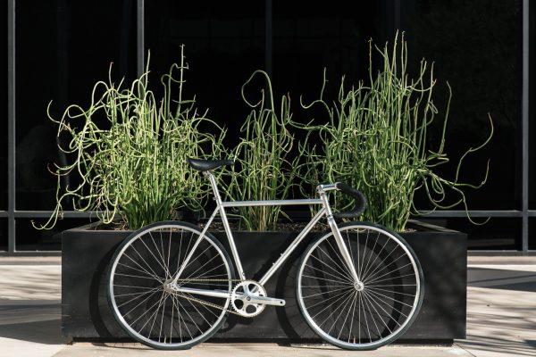 State_Bicycle_Co_silver_Fixie_Bike_Montecore_3_.jpg20